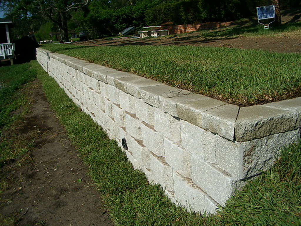 retaining wall repair contractors