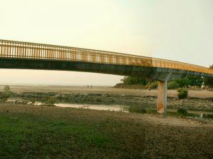 pedestrian bridge walkways