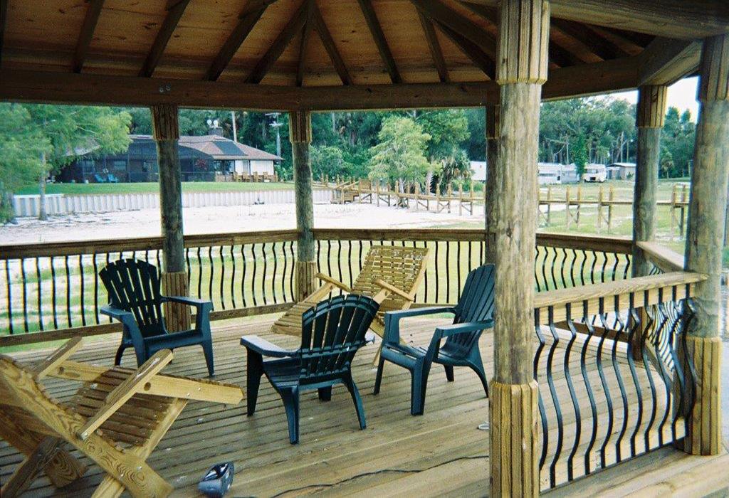 reeds-boathouse-custom