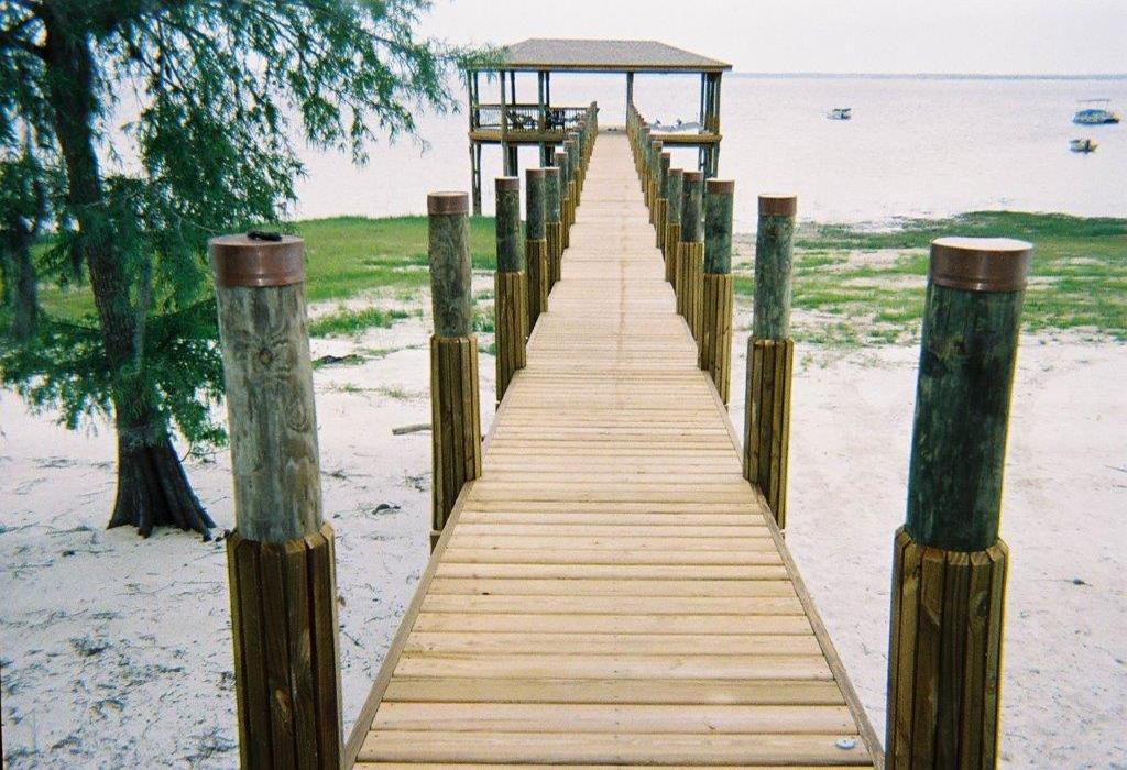 reeds-boathouse